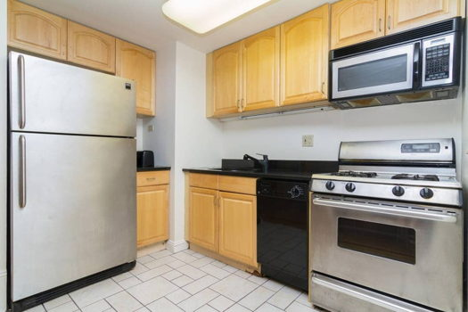 Picture 14 of 3 bedroom Apartment in New York