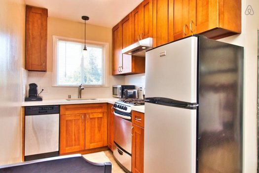 Picture 10 of 1 bedroom Apartment in Redwood City