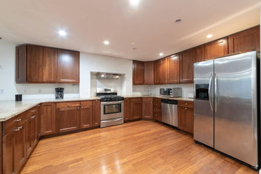 Picture 10 of 3 bedroom Apartment in Jersey City