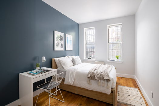 Picture 3 of 4 bedroom Apartment in Brooklyn