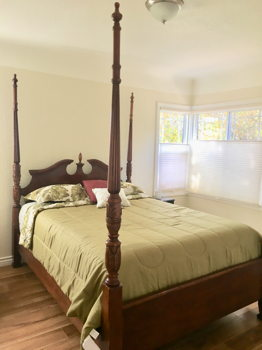 Picture 1 of 2 bedroom House in Oakland