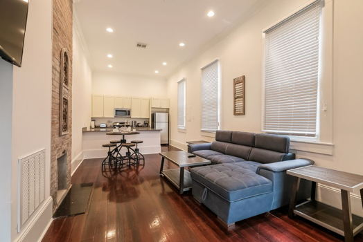 Picture 3 of 2 bedroom Condo in New Orleans