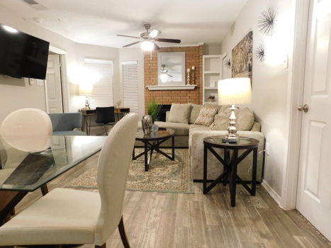 Picture 2 of 2 bedroom Apartment in Irving