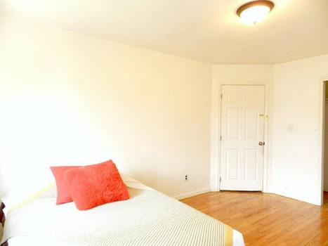Picture 26 of 3 bedroom Townhouse in Queens