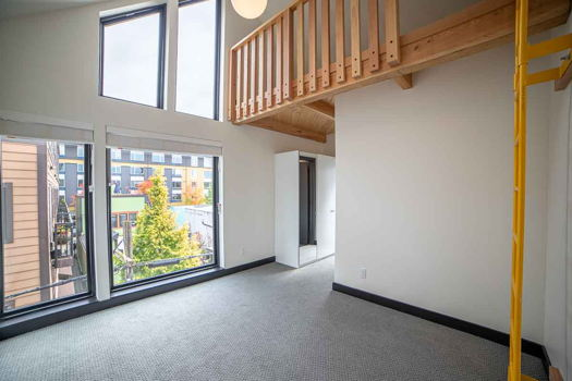 Picture 29 of 7 bedroom House in Portland