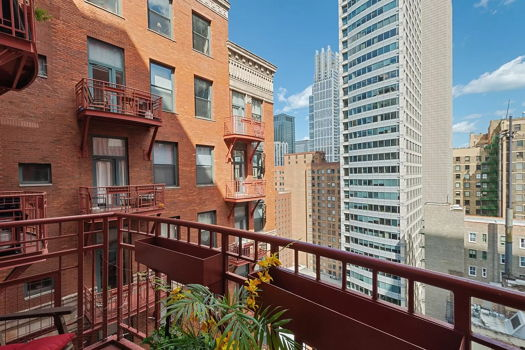 Picture 9 of 2 bedroom Condo in Chicago