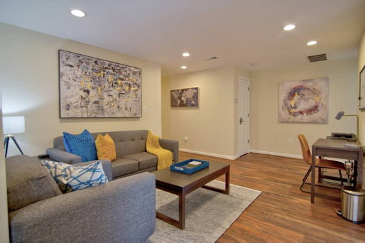 Picture 2 of 3 bedroom Apartment in Arlington
