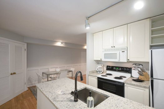 Picture 12 of 2 bedroom Apartment in Washington