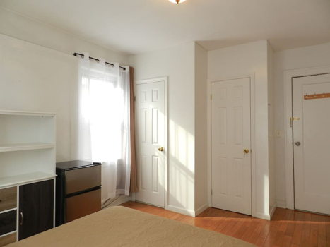 Picture 4 of 1 bedroom Apartment in Queens