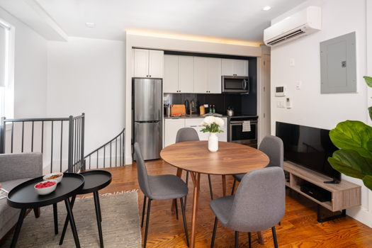 Picture 2 of 3 bedroom Apartment in Brooklyn