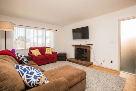 Picture 3 of 4 bedroom House in San Bruno