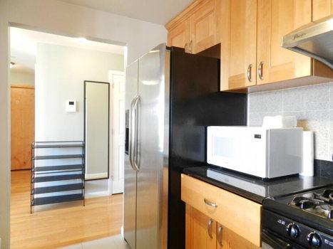 Picture 7 of 3 bedroom Condo in Queens