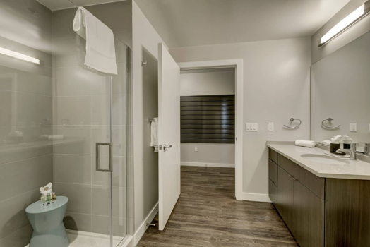 Picture 26 of 3 bedroom Apartment in Denver
