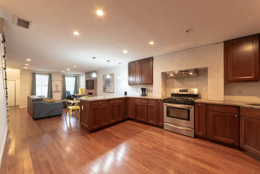 Picture 11 of 3 bedroom Apartment in Jersey City