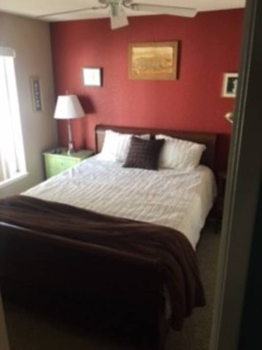 Picture 1 of 1 bedroom Townhouse in Redwood City