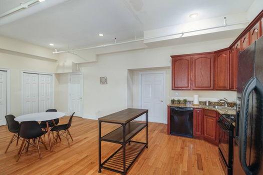 Picture 12 of 3 bedroom Apartment in Philadelphia
