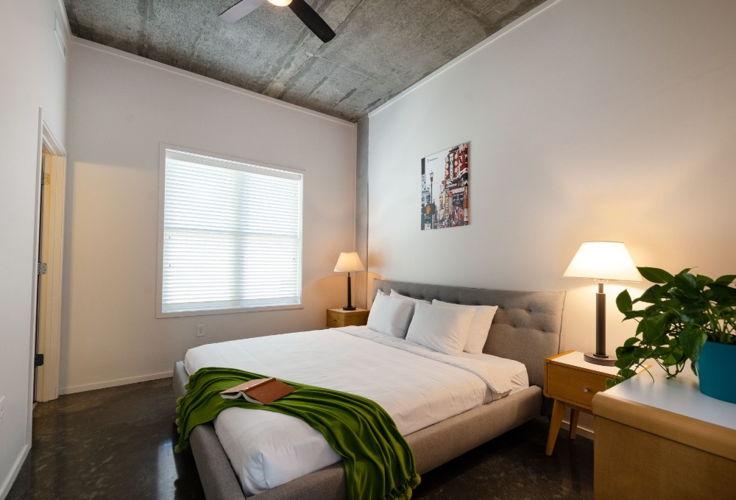 Bedroom 07pn18 photo thumbnail