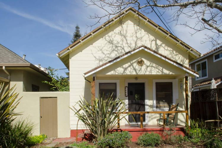 Picture 1 of 2 bedroom House in Mountain View