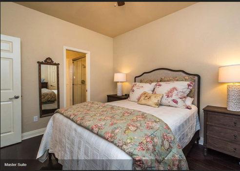 Picture 3 of 2 bedroom Condo in Austin