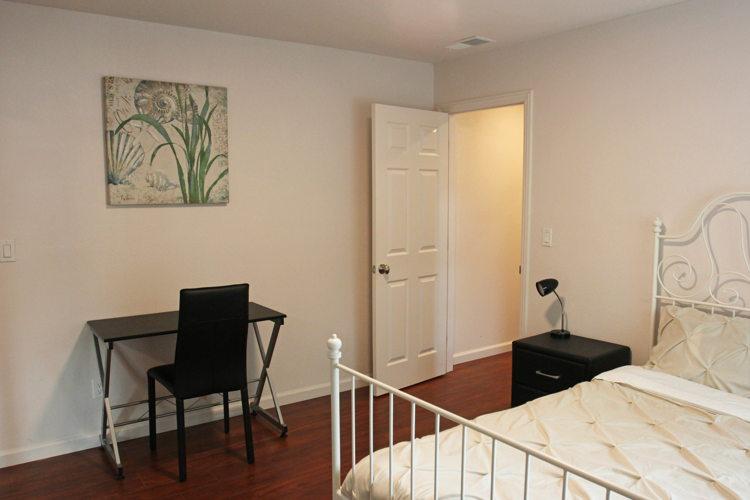 Bedroom 7t90nd photo thumbnail