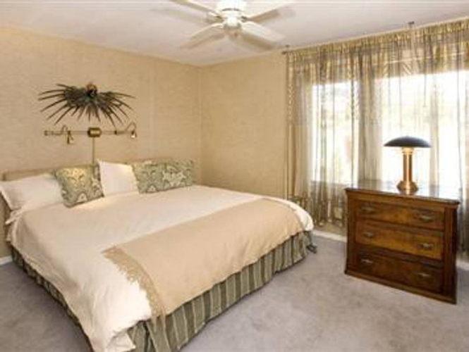 Bedroom 0yzqlx photo thumbnail