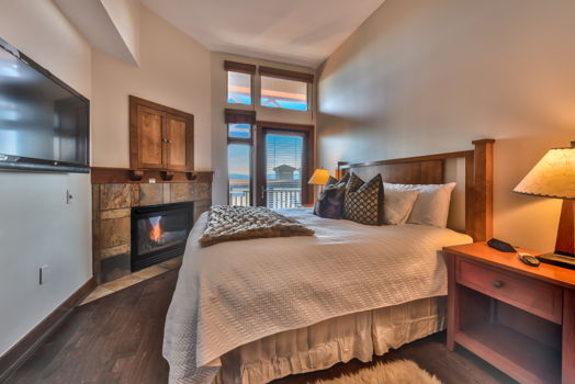Picture 3 of 3 bedroom Condo in Park City