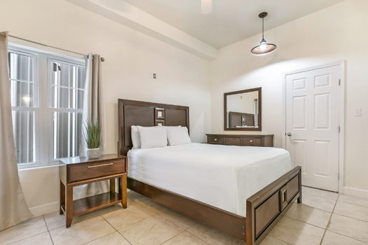 Picture 14 of 4 bedroom Condo in New Orleans