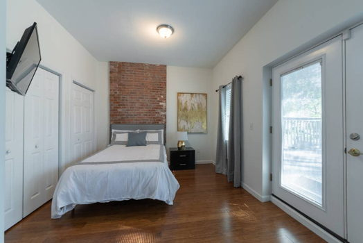 Picture 5 of 3 bedroom Apartment in Jersey City