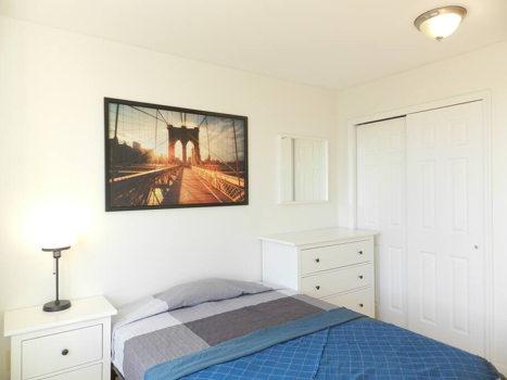 Picture 41 of 3 bedroom Condo in Queens