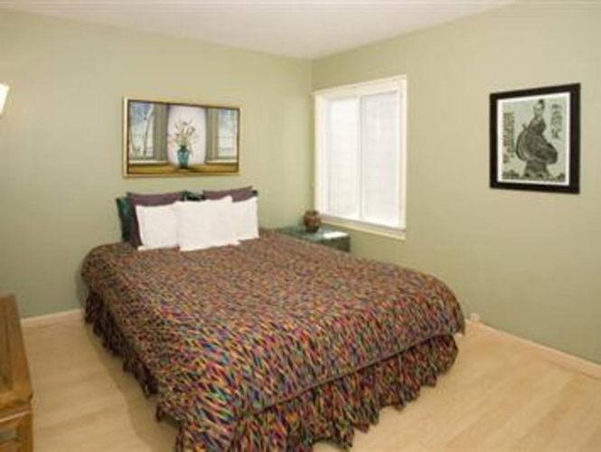 Bedroom 8v7hjg photo thumbnail