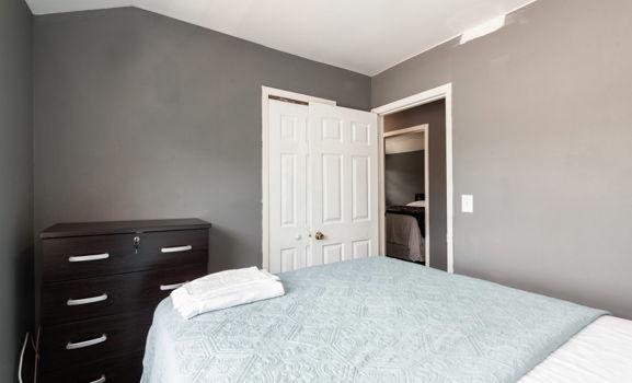 Picture 14 of 3 bedroom Apartment in Queens