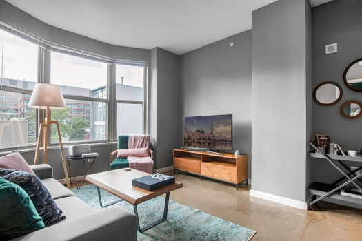 Picture 2 of 1 bedroom Apartment in Washington