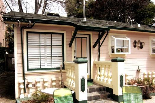 Picture 10 of 1 bedroom Guest house in Berkeley
