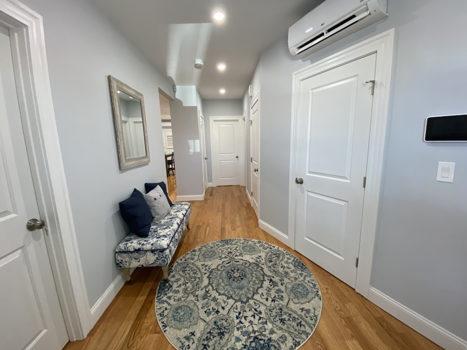 Picture 20 of 3 bedroom Condo in Boston