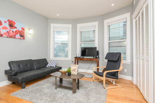 Picture 1 of 5 bedroom Apartment in Boston
