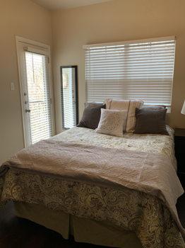 Picture 6 of 2 bedroom Condo in Austin