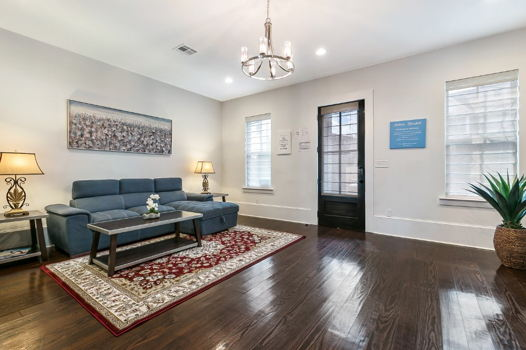 Picture 3 of 3 bedroom Condo in New Orleans