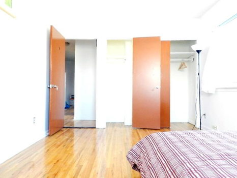 Picture 12 of 3 bedroom Apartment in Queens