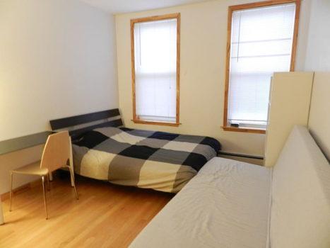 Picture 1 of 3 bedroom Apartment in Queens