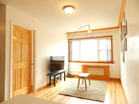 Picture 2 of 3 bedroom Apartment in Queens