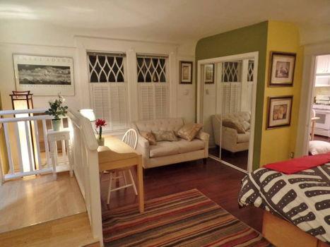 Picture 2 of 1 bedroom Apartment in Berkeley
