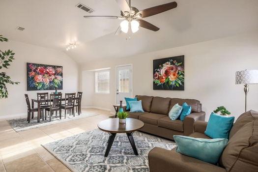 Picture 1 of 3 bedroom Duplex in Austin