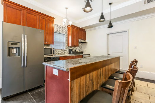 Picture 7 of 4 bedroom Condo in New Orleans