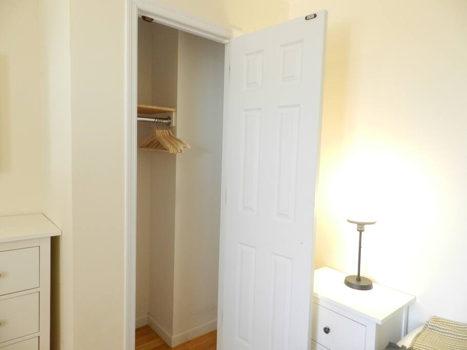 Picture 30 of 3 bedroom Condo in Queens