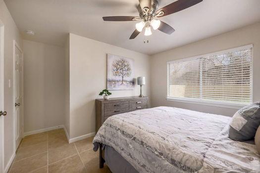 Picture 4 of 3 bedroom Duplex in Austin