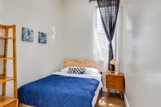 Picture 5 of 6 bedroom Apartment in Brooklyn