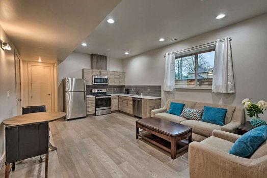 Picture 2 of 4 bedroom Flat in Kirkland