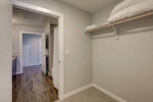 Picture 19 of 3 bedroom Apartment in Denver