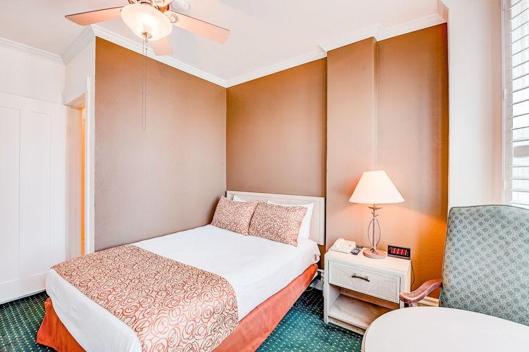 Bedroom o76lfj photo thumbnail