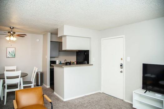 Picture 10 of 1 bedroom Apartment in Midland